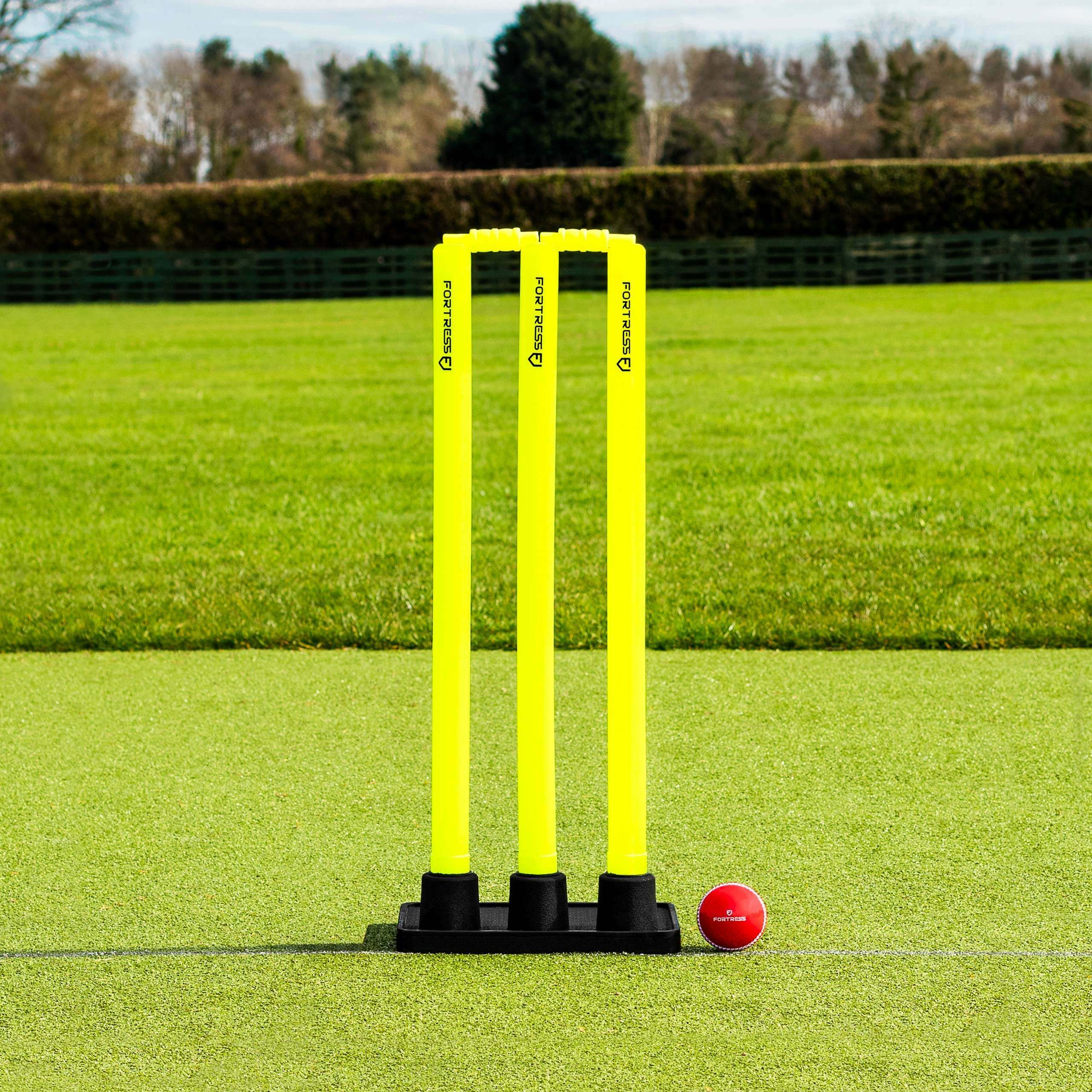 FORTRESS Rubber Base Cricket Stumps [28in Senior]