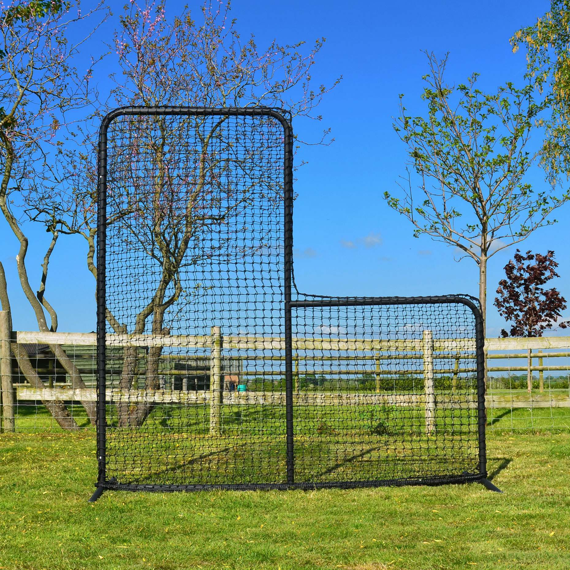 7' x 7' Cricket Throw-Down Protector Screen