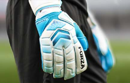 Goalkeeper Glove Size Guide