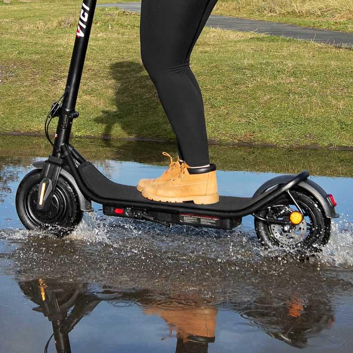 E-scooters in the rain