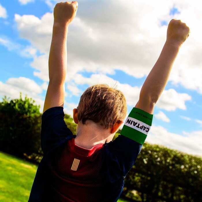 Piłkarskie opaski kapitana dla dzieci, juniorów i dorosłych na sprzedaż