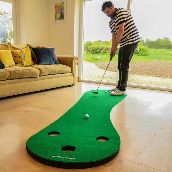 Entraînement de putt de golf à domicile
