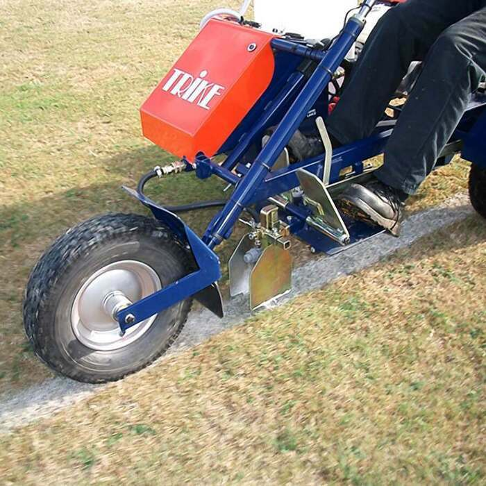 Pitch Saving Tyres Evenly Distribute The Line Marking Machines Weight
