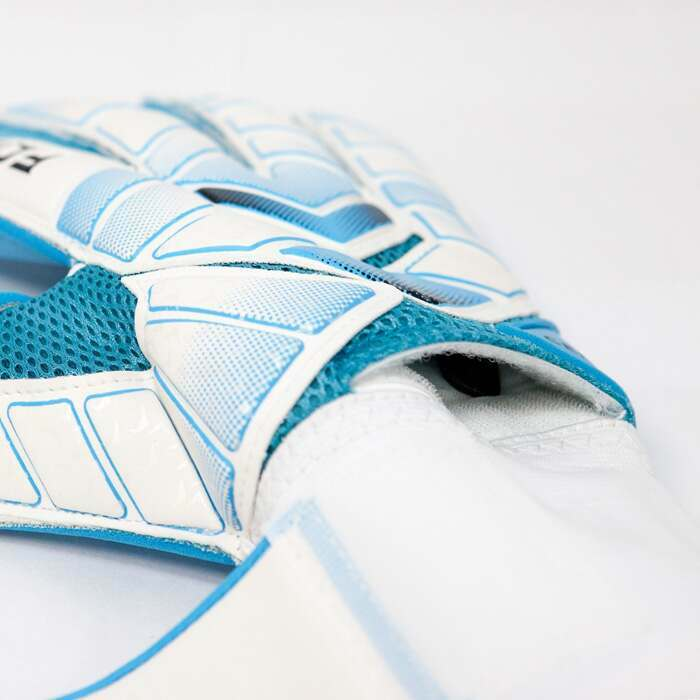Weatherproof Goal Keeper Gloves | Protective Goal Keepers Glove