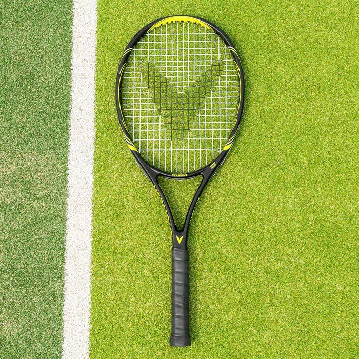 Tennis racket for competitive club players
