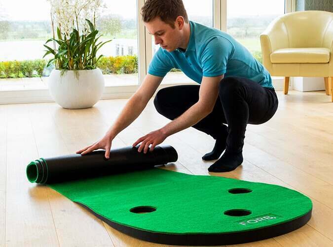 Roll up golf putting mat