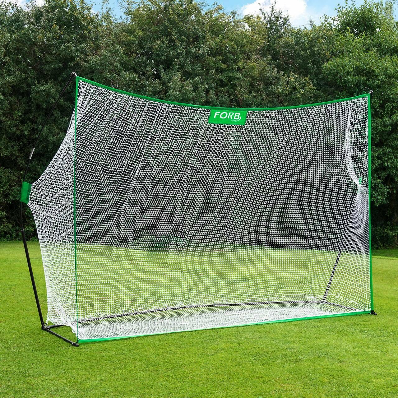 Portable golf hitting net for the garden